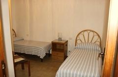 weiterer Schlafraum mit zwei Betten